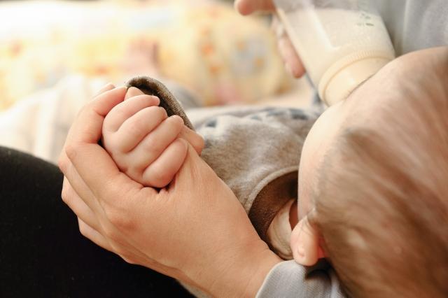 夜中のミルク作りを簡単に早くする方法