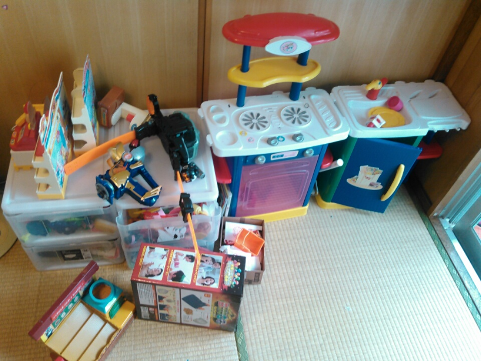 クリスマスと誕生日で増えたおもちゃのお片付け~押入れのスペースを作るのが大事なワケ