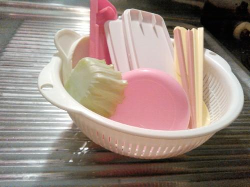 食器洗いが溜まると面倒で後回しにしていたけど、洗い物をシンクに溜めない方法に気づいて楽になったお話
