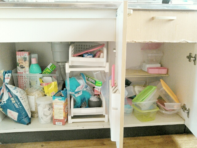 キッチン下の片付けと収納ビフォーアフター写真