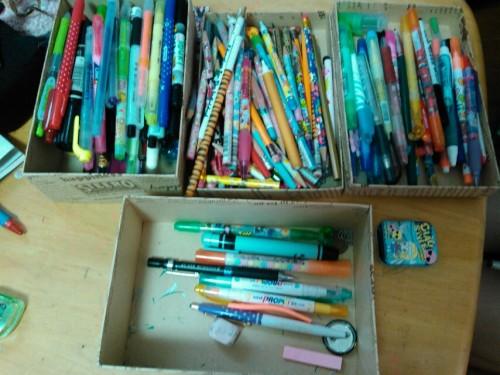 モノが捨てられない・片付けられない高校生が大量のペンと向き合った結果