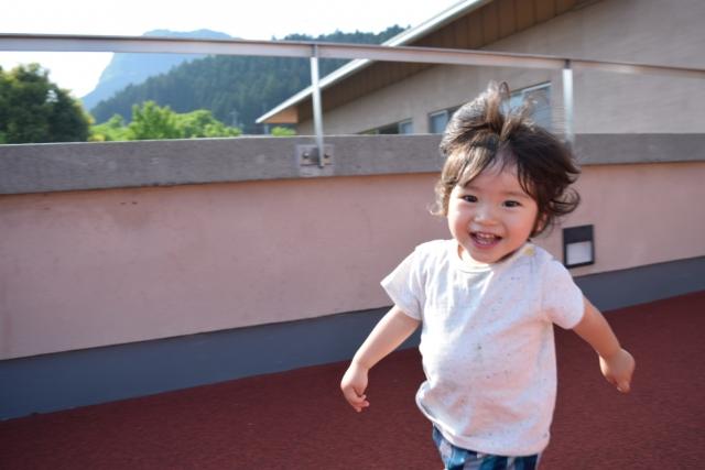 目が離せない1歳8カ月の育児。イライラしない環境を作る方法