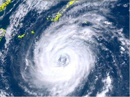 沖縄 台風24号 2018