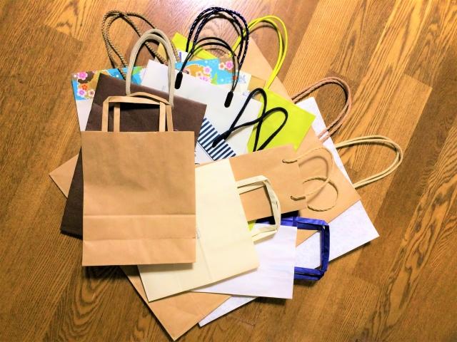 紙袋が捨てられない心理とは?